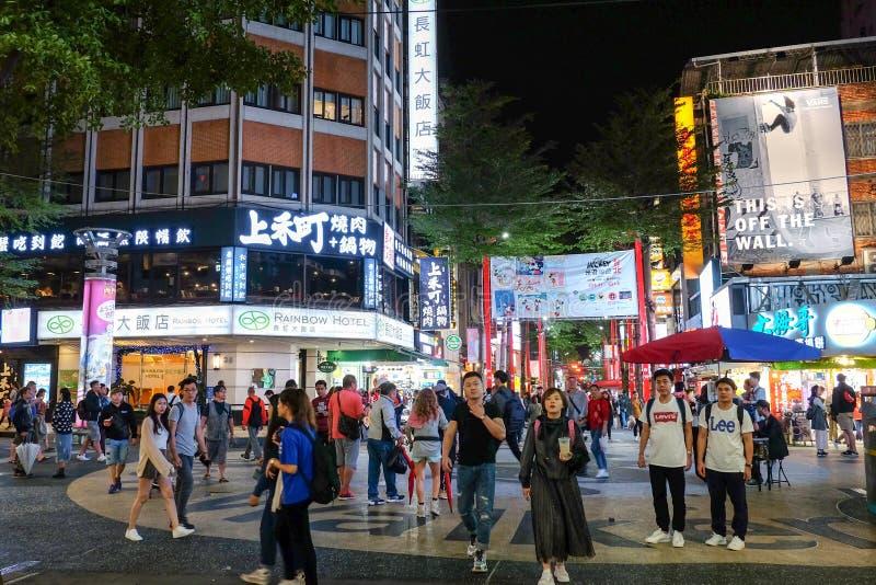 Taipeh, 11 Taiwan-Oktober, 2018: De markt van de Ximendingsnacht beroemdst in de mensenbezoek van Taiwan stock fotografie