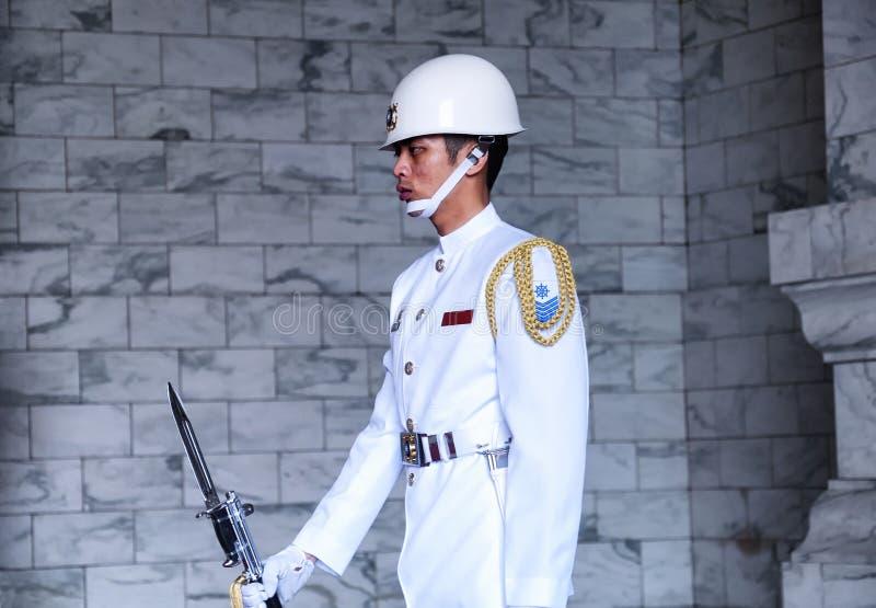 Taipei Chiang Kai-Shek Memorial Hall Guard royaltyfri fotografi