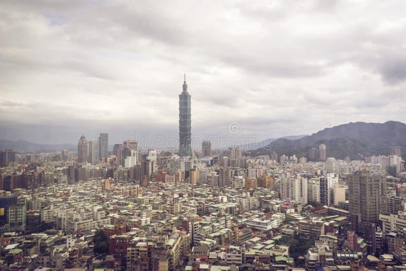 Taipei cityscape arkivfoton