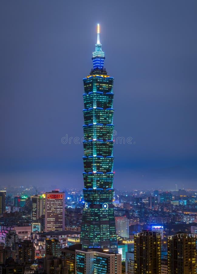 Taipei 101 na noite, Taiwan foto de stock royalty free
