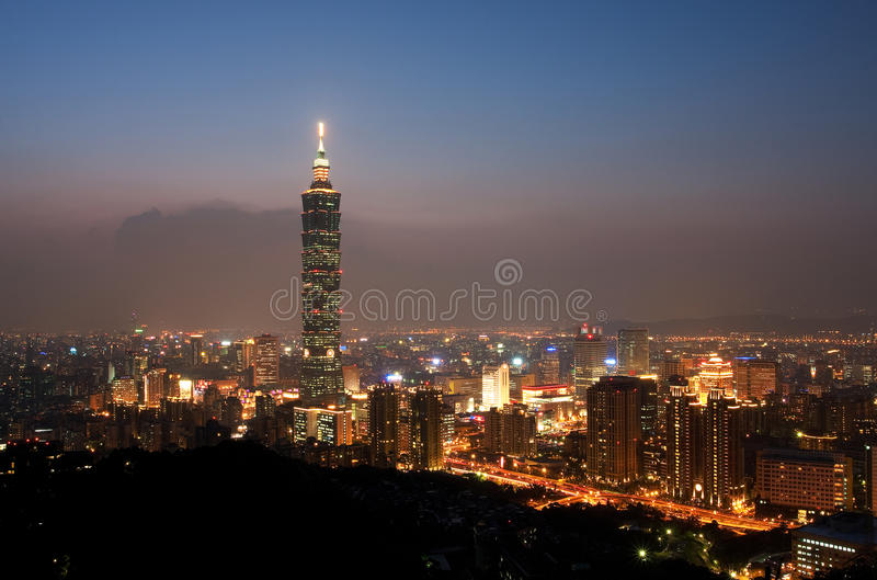 Taipei-Stadt-Skyline bis zum Night stockfotografie