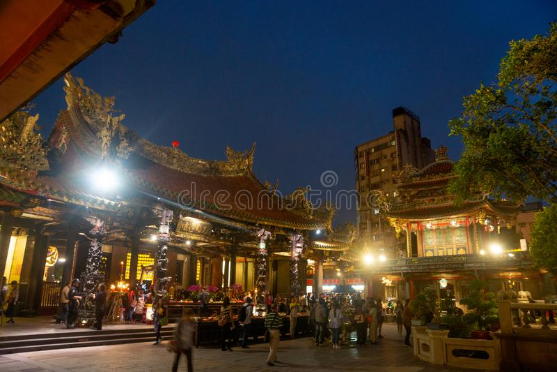 Taipei/Taiwan-25 03 2018: Światła w Baoan świątyni w Taipei fotografia royalty free