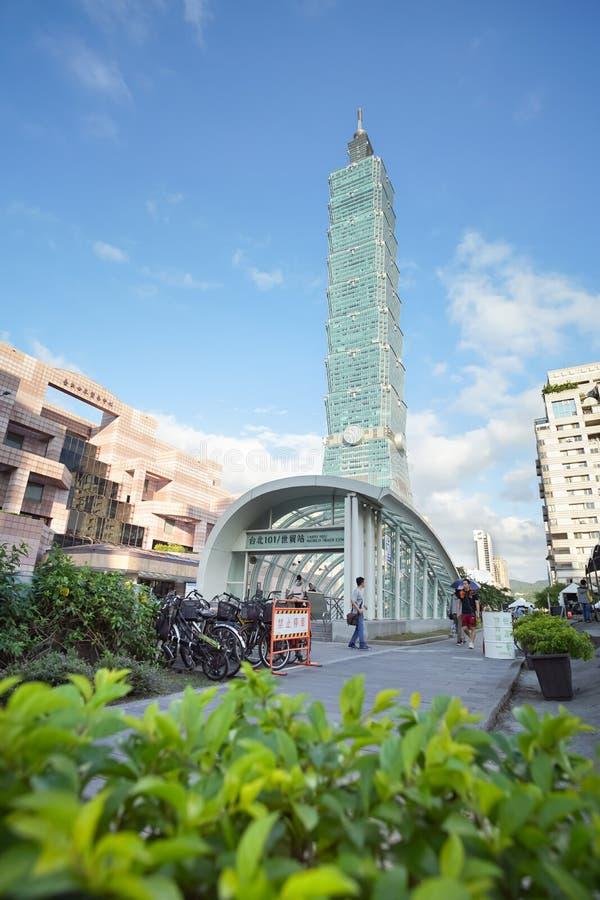 Taipei 101 torn som lokaliseras i finacial distict, Taipei, Taiwan royaltyfria bilder