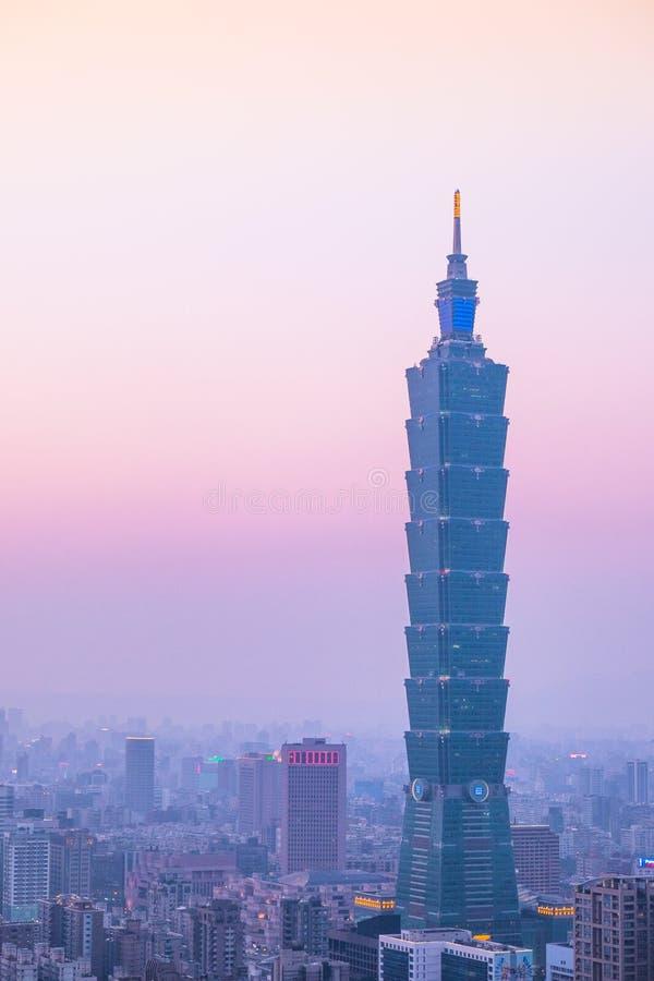Taipei 101 w wieczór zdjęcia royalty free