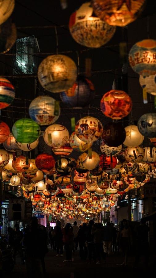 Taiwan lyktafestival Kinesiskt nytt år som hänger målad lanter royaltyfria foton