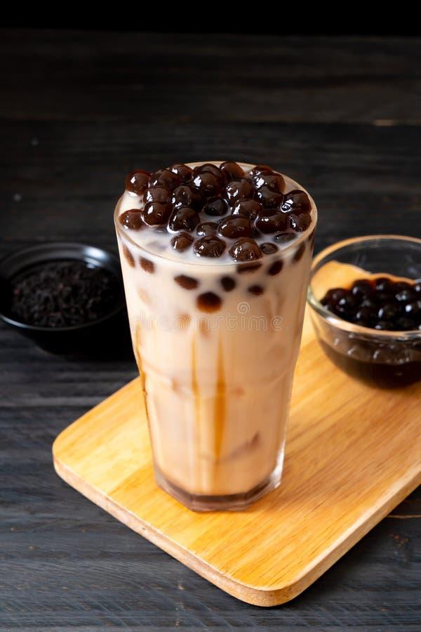Taiwan mjölkar te med bubblan royaltyfria bilder