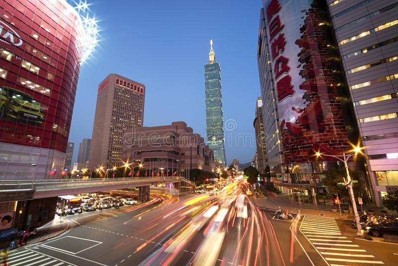 Taiwan-` s Geschäftsgebiet mit Taipeh 101 lizenzfreies stockfoto