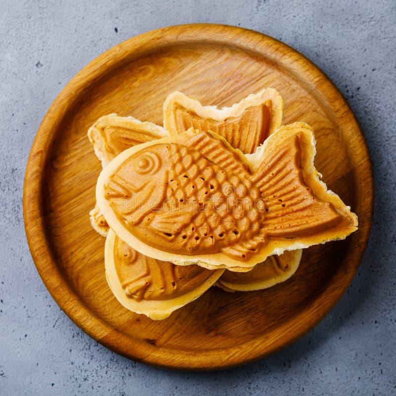 Taiyaki ιαπωνική βάφλα πλήρωσης οδών ψάρι-διαμορφωμένη τρόφιμα γλυκιά στοκ φωτογραφία