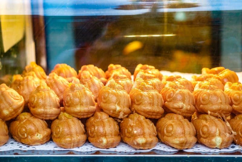 Taiyaki, Japanse vissen gevormde cake op vertoning royalty-vrije stock foto's