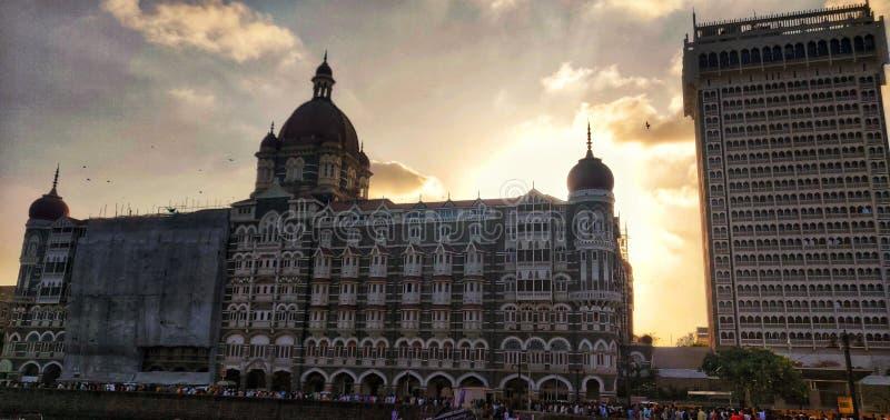 Taj de luxe de Tata d'icône de Mumbai de coucher du soleil d'hôtel de Mumbai de palais du Taj Mahal images libres de droits