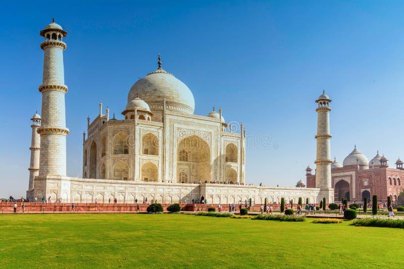 Taj Mahal, μπλε ουρανός, ταξίδι στην Ινδία στοκ φωτογραφία με δικαίωμα ελεύθερης χρήσης