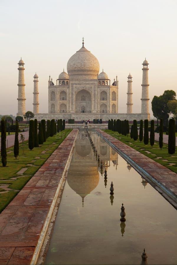 Taj Mahal ad alba. fotografie stock