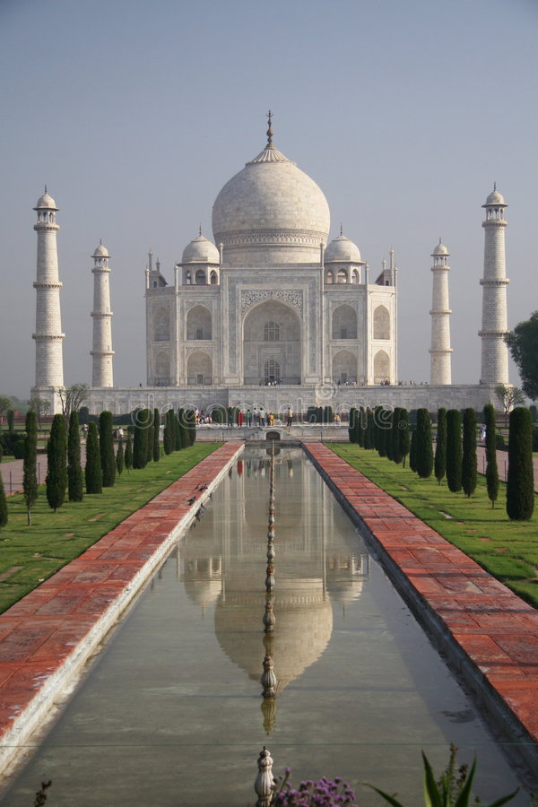 Download Taj Mahal Agra - Front View With Fountain Stock Image - Image of temple, mausoleum: 8681927
