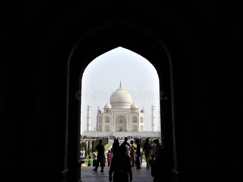 Taj Mahal, Agra, India, łuk przy wejściem mauzoleum zdjęcia stock