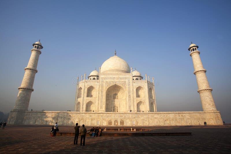 Taj Mahal in Agra, India in de vroege ochtend stock foto