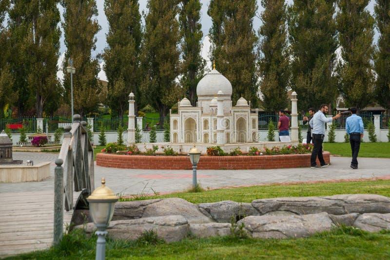 Taj Mahal in Agra, India Miniaturen in de het Park of de Wetenschapskunst van Sazova en Cultuurpark Turkije, Eskisehir royalty-vrije stock foto