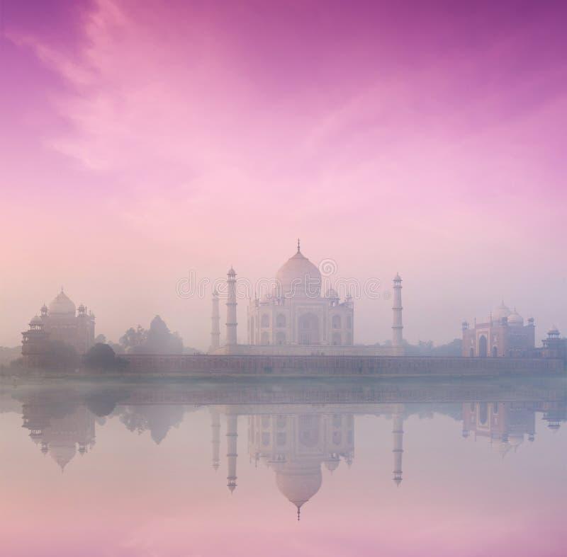 Taj Mahal auf Sonnenaufgangsonnenuntergang, Agra, Indien stockbild