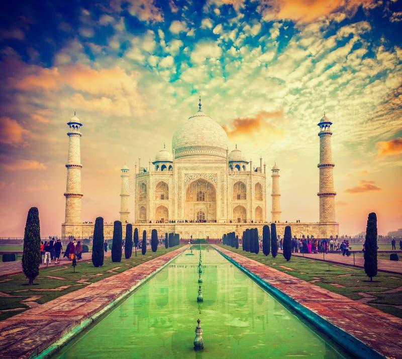 Taj Mahal auf Sonnenaufgangsonnenuntergang, Agra, Indien lizenzfreie stockfotos
