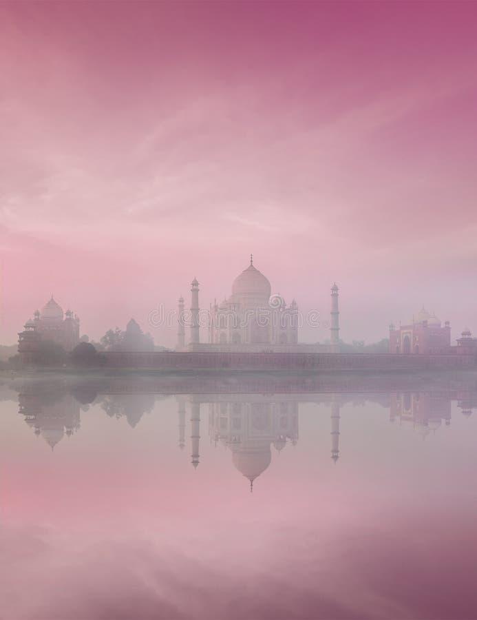Taj Mahal auf Sonnenaufgangsonnenuntergang, Agra, Indien lizenzfreies stockfoto