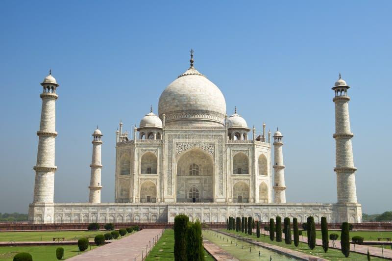 Taj Mahal Blue Sky lopp till Agra, Indien arkivfoton
