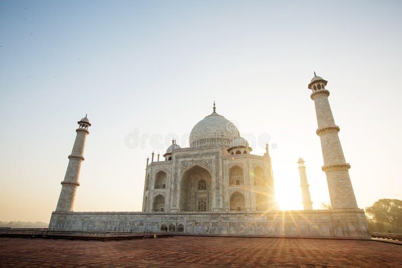 Taj Mahal dans la lumière de lever de soleil, Âgrâ, Inde images stock