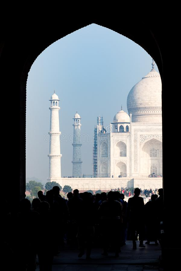 Taj Mahal de la gran puerta de la entrada principal, Agra, Uttar Pradesh fotografía de archivo