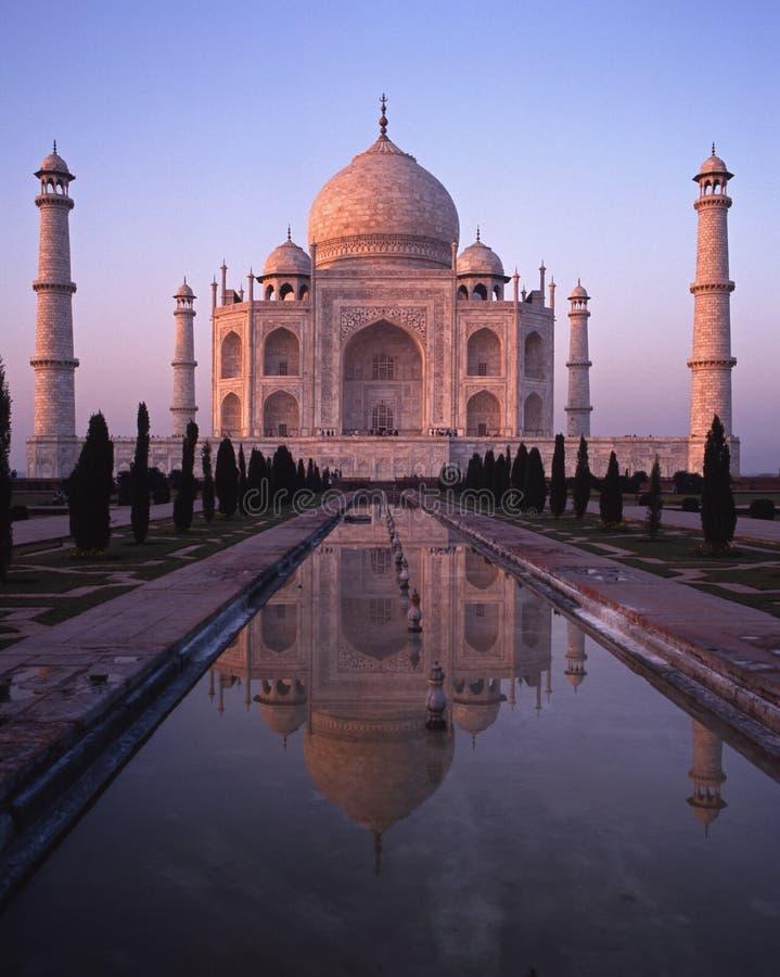 Taj Mahal en la puesta del sol, Agra, la India. foto de archivo libre de regalías