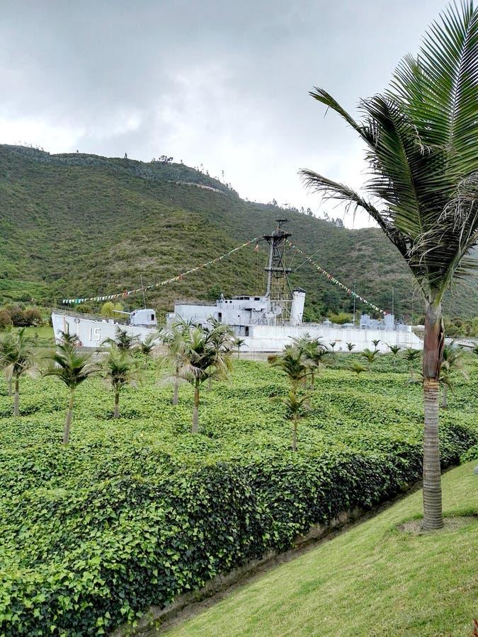 Taj mahal i łodzie Jaime Duque park otaczający jeziorami i obszarami trawiastymi obraz stock