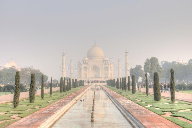 Taj Mahal im frühen Morgen stockbild