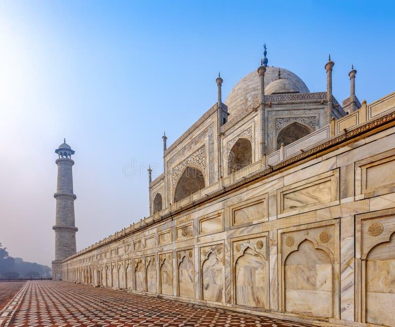 Taj Mahal, la India - fragmento y detalles arquitectónicos del palacio magnífico foto de archivo