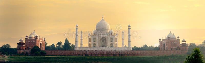 Taj Mahal-mausoleum achtermening van Mehtab Bagh stock fotografie