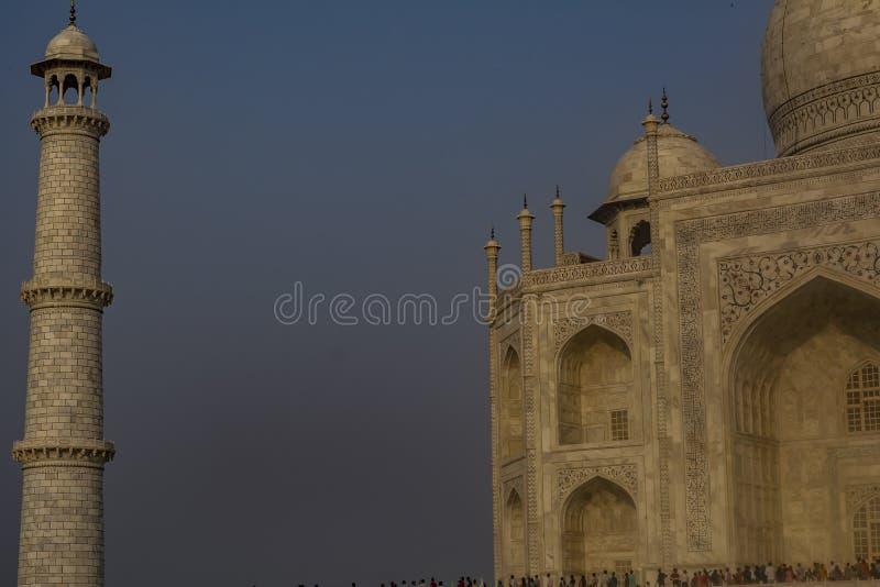 Taj Mahal met één pijler stock afbeeldingen