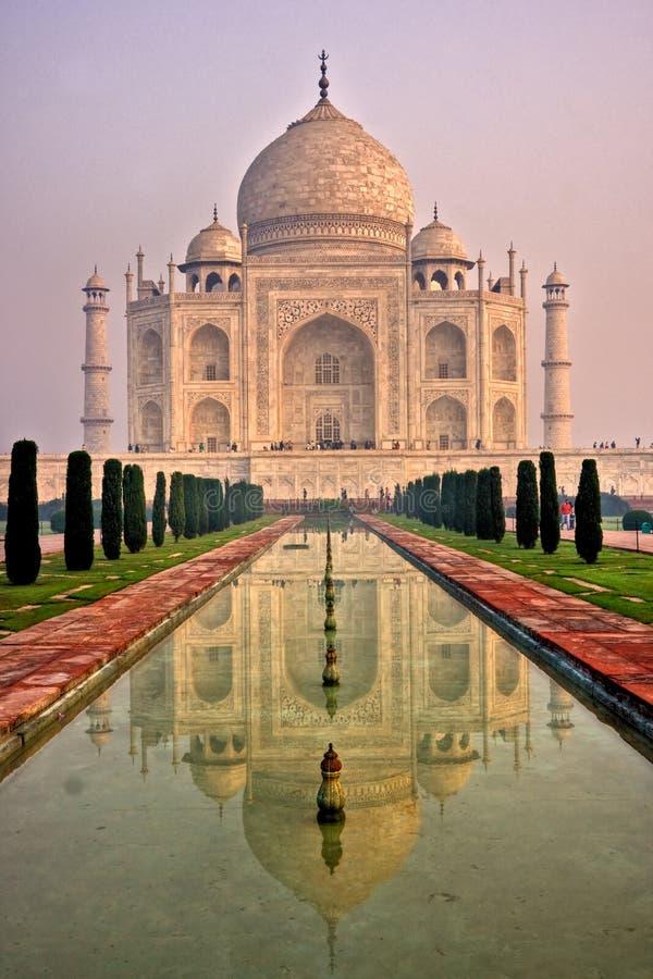 Taj Mahal no nascer do sol, Agra, Uttar Pradesh, India. imagens de stock