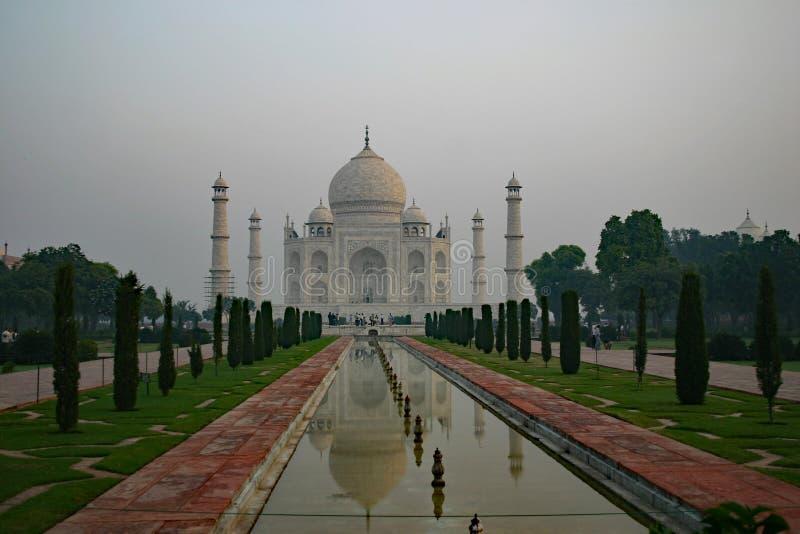 Taj Mahal på soluppgång 2 royaltyfri bild