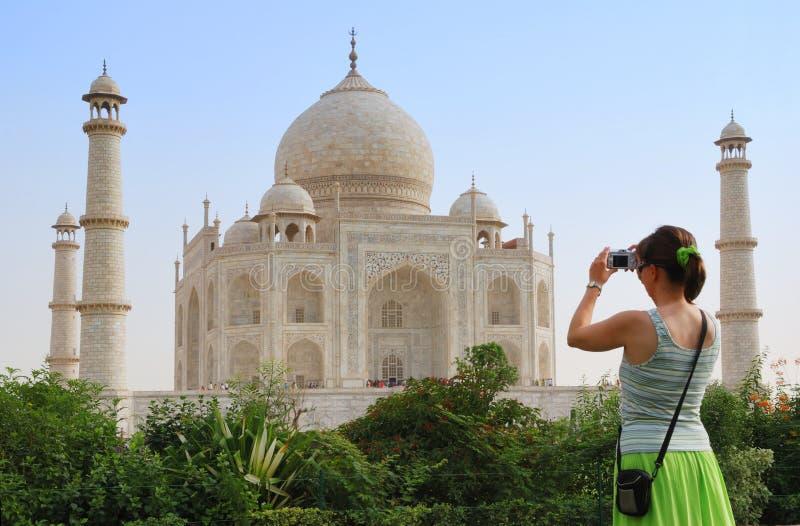 taj mahal przednia turysta fotografia royalty free