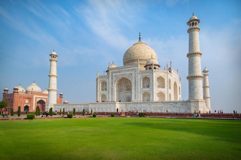 Taj Mahal on a sunny day. An ivory-white marble mausoleum on the south bank of the Yamuna river in Agra, Uttar Pradesh, India. One of the seven wonders of the stock image
