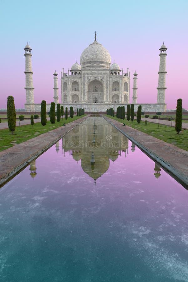 Taj Mahal Sunrise lopp till Indien arkivfoto
