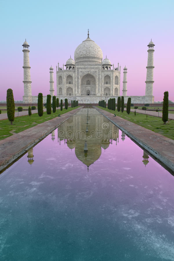 Taj Mahal Sunrise, Reis aan India stock foto