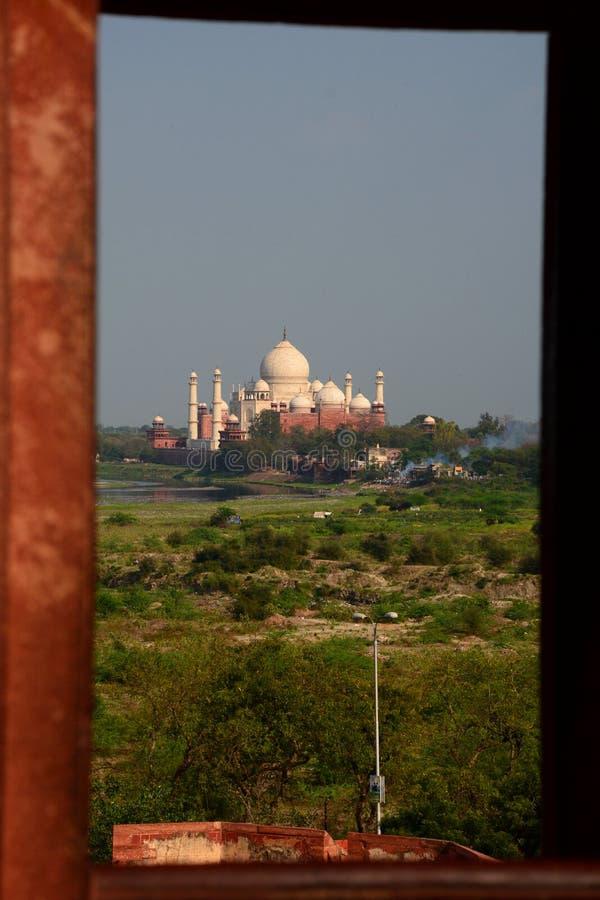 Taj Mahal visto del fuerte de Agra Agra, Uttar Pradesh La India fotos de archivo