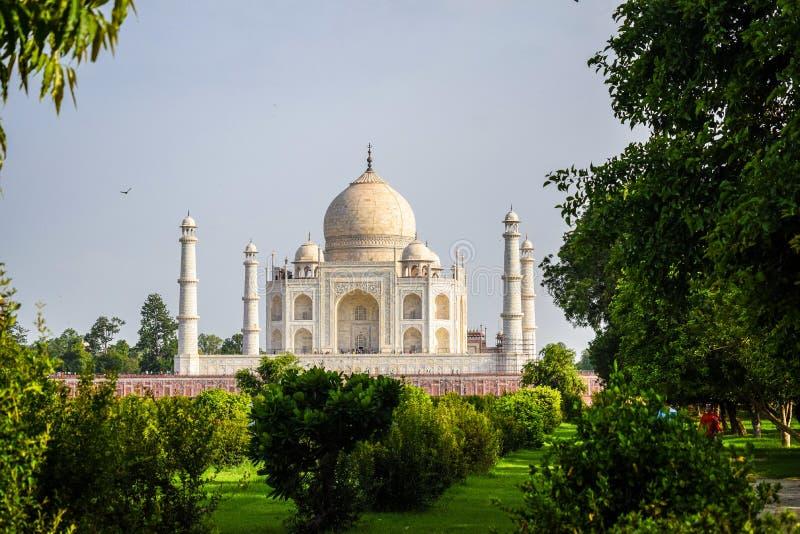 Taj Mahal volle Aussicht während des Tages in Agra India, The Taj unter 7 Wonders der Weltsicht lizenzfreie stockfotografie
