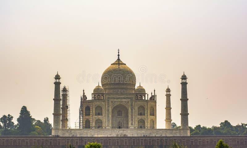 Taj Mahal - Weergeven van Tuin royalty-vrije stock foto's
