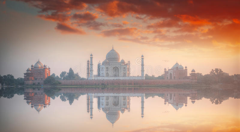 Taj Mahal. White marble mausoleum on the south bank of the Yamuna river in the Indian city of Agra, Uttar Pradesh stock photos