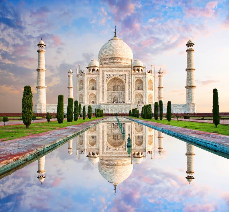 Taj Mahal in zonsonderganglicht, Agra, India royalty-vrije stock fotografie