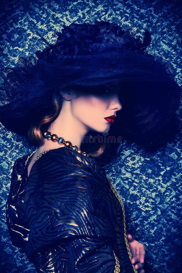 Tajemnicza dama w kapeluszu obrazy royalty free