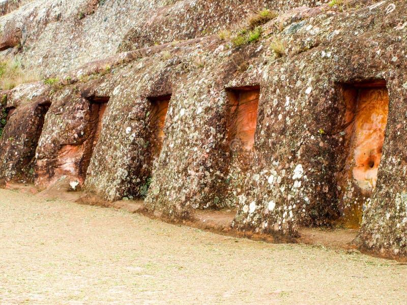 Tajemnicze niszy w skale, El Fuerte De Samaipata, Boliwia, Ameryka Południowa Unesco Światowego Dziedzictwa Miejsce obraz stock