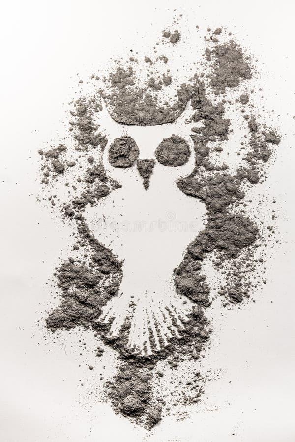 Tajemniczej sowy ptasia ilustracja robić w popióle obrazy royalty free