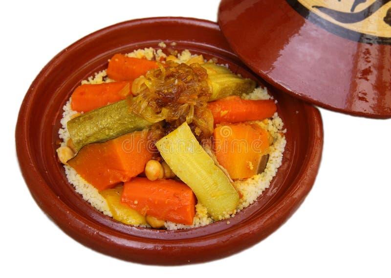 Tajine do Berber de Marrocos isolado no branco imagem de stock