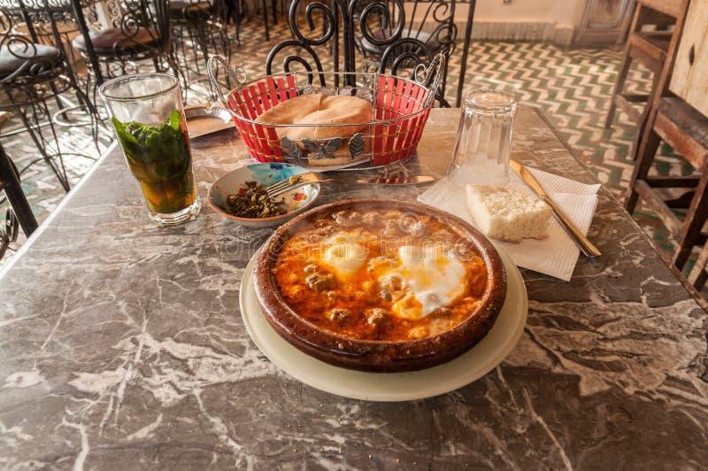 Tajine w tradycyjnej marokańskiej restauraci obraz royalty free