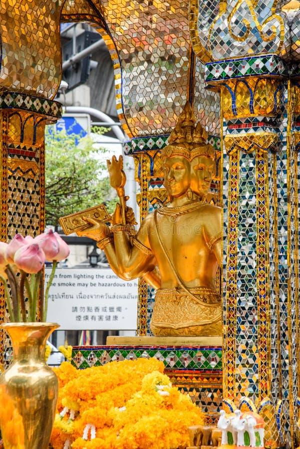 Tajlandia Bankok San Phra Phrom, Erawan połysk, 4 twarzy Buddha, 4 stawiał czoło Buddha, ono modli się fotografia stock