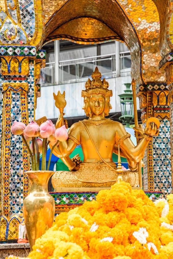 Tajlandia Bankok San Phra Phrom, Erawan połysk, 4 twarzy Buddha, 4 stawiał czoło Buddha, ono modli się zdjęcie stock
